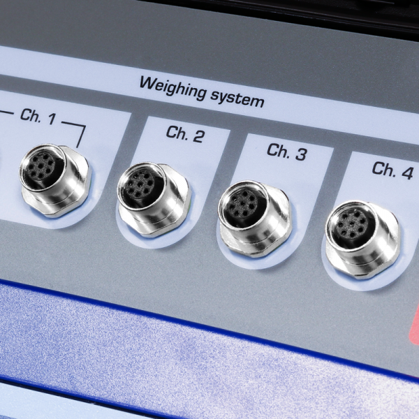 The DFWKRP display can support up to 4 weigh pads by cable connection or up to 20 with the wireless version.