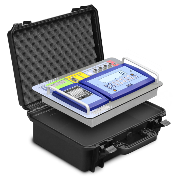 The Dini Argeo DFWKRP is supplied in a removable transport case.