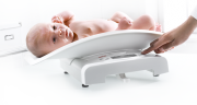 Easily and quickly weigh babies with the Seca 384 scales