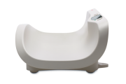 The Seca 376 erganomic shell shaped tray ensures the babies safety when being weighed