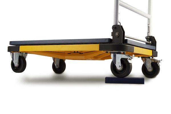 The Cart-300 from Coventry Scale Company - Strong and durable construction for warehouse and factory environments