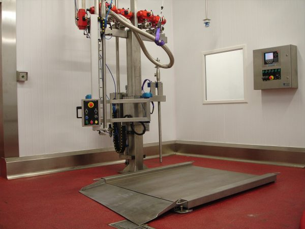 The FT-100 series filling machine is designed to be used as a multi-drum multi-layer filler whether filling 20ltr containers, 200ltr drums or IBC's